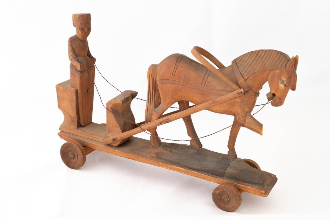 wooden toy carriage